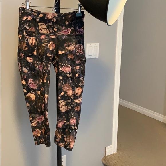 Lululemon cropped flower leggings